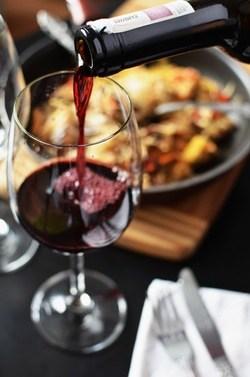 Et godt glas vin på en god senior date