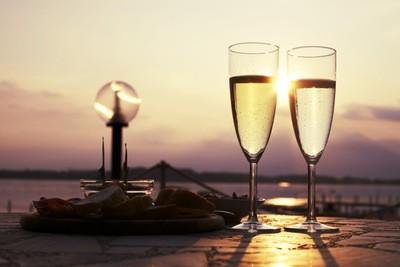 Romantisk aften i solnedgangen